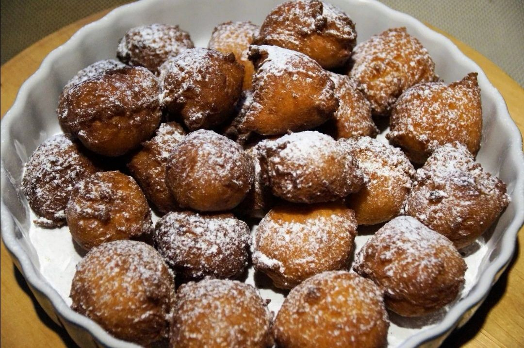 Frittelle siciliane di Carnevale con semola di grano duro